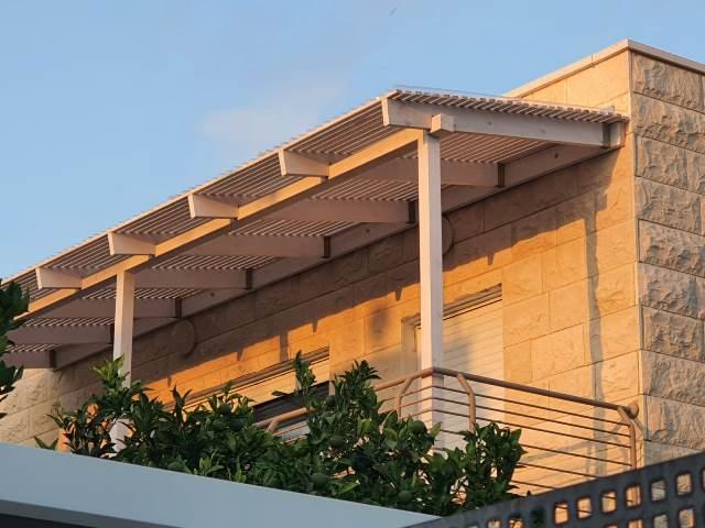 פרגולה למרפסת 3